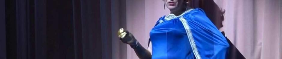 Ex-ministro olandese Gerrit Zalm vestito da drag queen