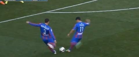 La punizione alla Holly e Benji dei giocatori del Levante